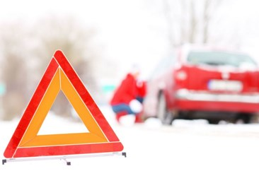 How to Make an Effective Winter Survival Kit for Your Car