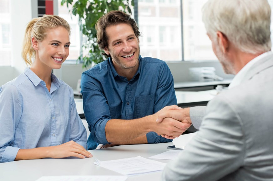 How to pick an insurance agent